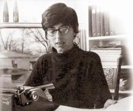 Jane Roberts with typewriter